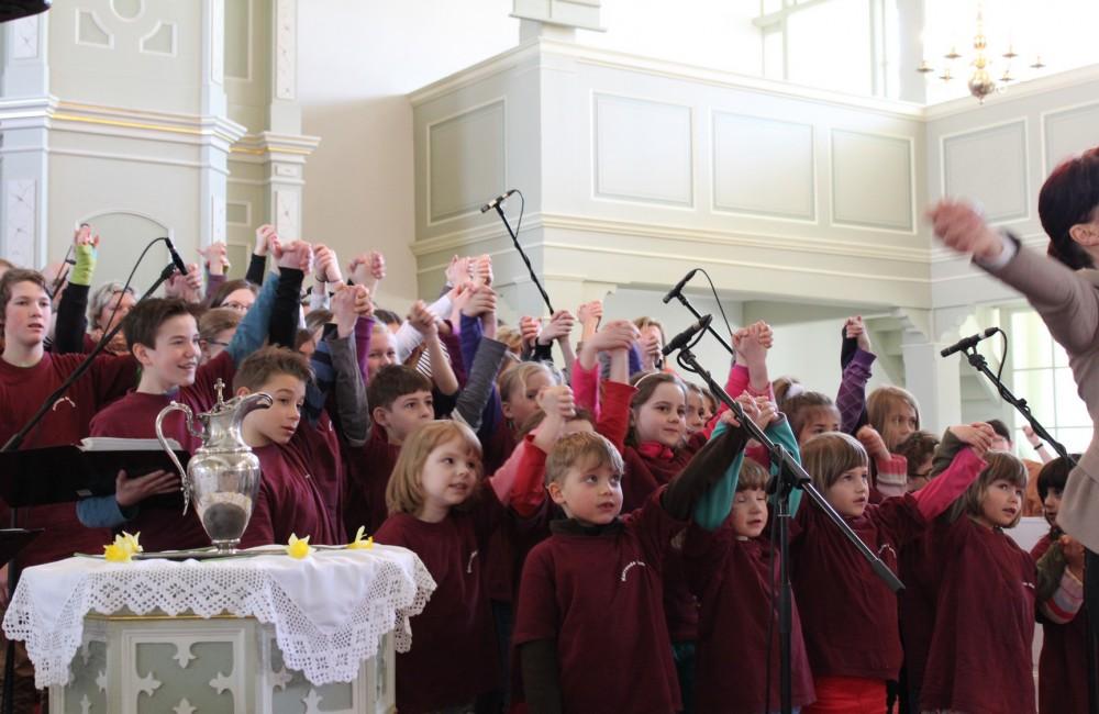 Die Kurrende beim Ostergottesdienst in Kemnitz
